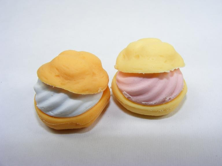 Dream Bakery Pair of White and Strawberry Cream Puff Japanese Eraser